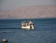 Por barco en el Mar de Galilea