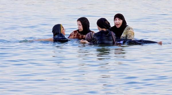 Disfrutando del Mar Muerto a como dé lugar